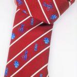 cravatta seta rossa con loghi