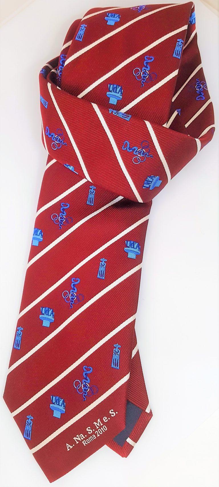 Cravatta seta bordeaux con loghi